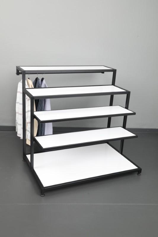 Bir Tarafı Askılı Siyah Merdiven Stand